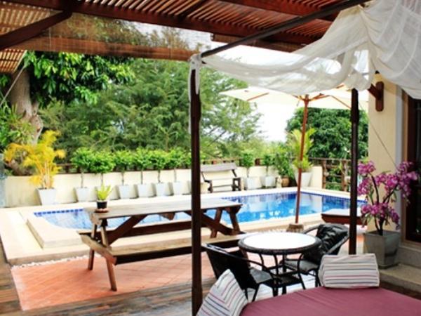 The Villa Hacienda14