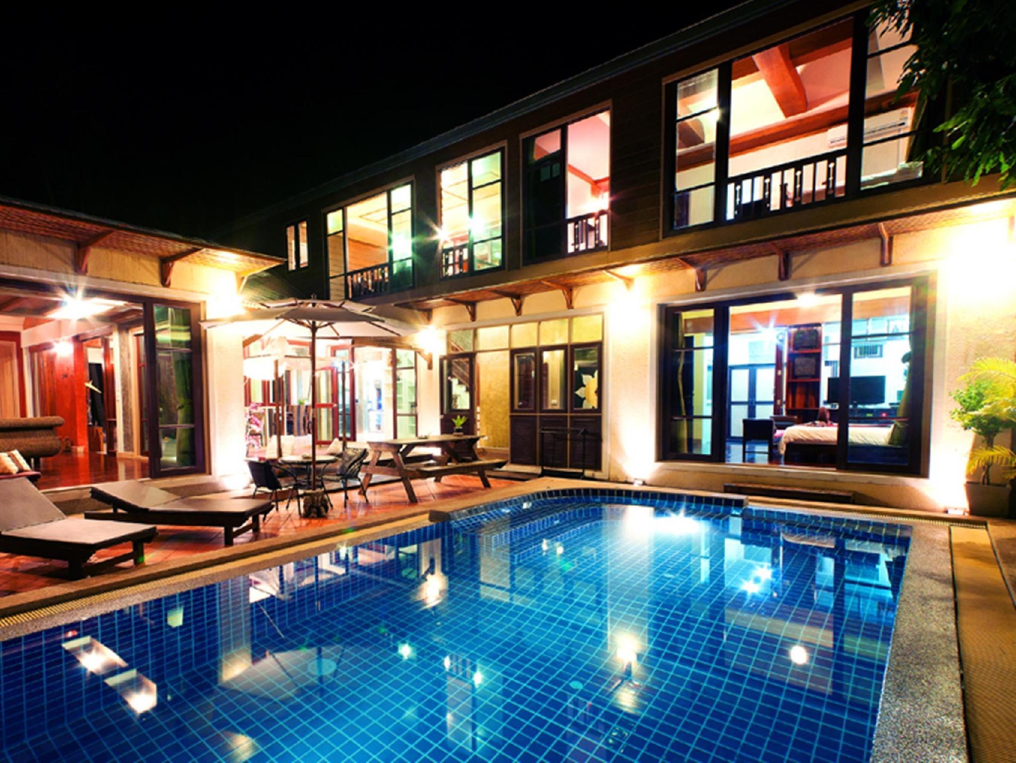 The Villa Hacienda0