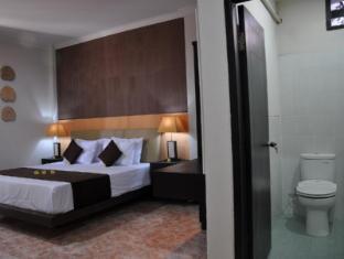 Kamala Bed & Breakfast Jimbaran Bali - Bathroom