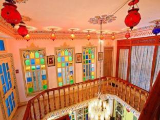 /hotel-krishna-niwas/hotel/udaipur-in.html?asq=jGXBHFvRg5Z51Emf%2fbXG4w%3d%3d