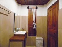Lakhangthong Boutique Hotel: bathroom