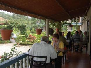 Chitwan Village Resort Chitwan - Balkon/Teras