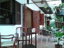 Mojo Guesthouse: balcony/terrace