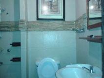 Mojo Guesthouse: bathroom