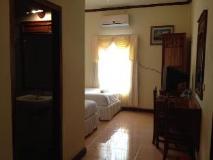 Phetmongkhoun Guest House: guest room