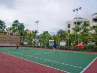 Condominium Danau Toba Hotel Medan - Tennis Court