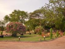 Aung Mingalar Hotel: garden