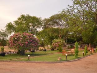 Aung Mingalar Hotel Bagan - Garden