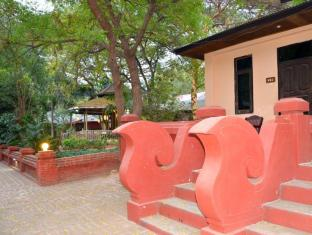 Aung Mingalar Hotel Bagan - Deluxe Courtyard Exterior