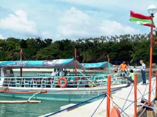 Paradise Island Park & Beach Resort Davao City - Inngang