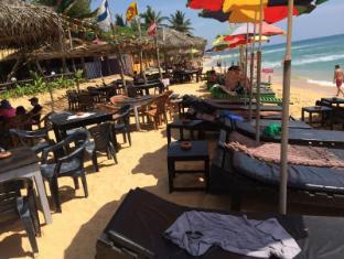/de-de/main-reef-surf-hotel/hotel/hikkaduwa-lk.html?asq=vrkGgIUsL%2bbahMd1T3QaFc8vtOD6pz9C2Mlrix6aGww%3d