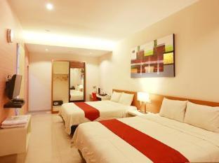 H.O.M.E Guest House Surabaya - Family Room