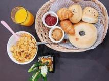 Vestin Residence Myeongdong: food and beverages