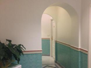 Migdal Palace Rome - Vestibule