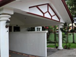 Chateau Veronica Apartelle Davao City - Exterior