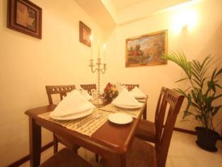 Unique Towers Luxury Boutique Suites Colombo - Suite Dining Area