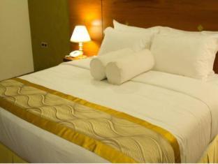 Unique Towers Luxury Boutique Suites Colombo - Penthouse Master Bedroom