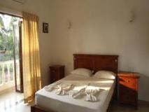 Morjim Club Resort: guest room