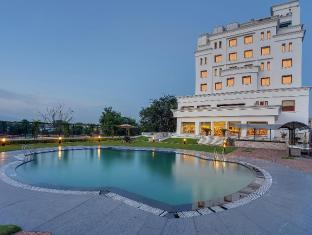 /hotel-royal-sarovar-portico-siliguri/hotel/siliguri-in.html?asq=jGXBHFvRg5Z51Emf%2fbXG4w%3d%3d