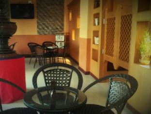 Hotel 63 Yangon - Coffee Shop/Cafe