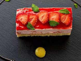 Titania Hotel Athens - Food and Beverages