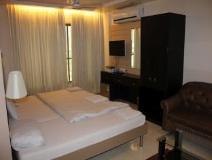 Khwaishh Presidency: guest room