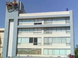 /platinum-inn/hotel/ahmedabad-in.html?asq=jGXBHFvRg5Z51Emf%2fbXG4w%3d%3d