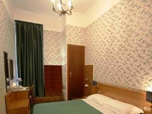 /fi-fi/hotel-bel-soggiorno/hotel/genoa-it.html?asq=vrkGgIUsL%2bbahMd1T3QaFc8vtOD6pz9C2Mlrix6aGww%3d
