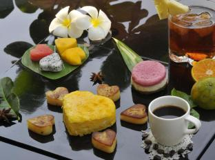 Andaman White Beach Resort Phuket - Romantic Breakfast
