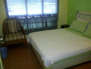Airport Guest House Kuching - Double Room With Fan