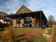 Glenorchy Lake House | New Zealand Hotels Deals