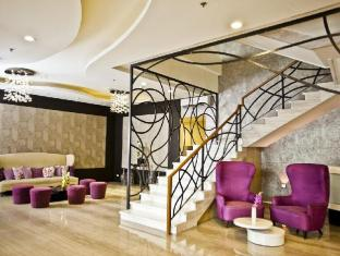 The Exchange Regency Residence Hotel Manila - Lobby