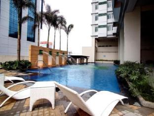 The Exchange Regency Residence Hotel Manila - Peldbaseins