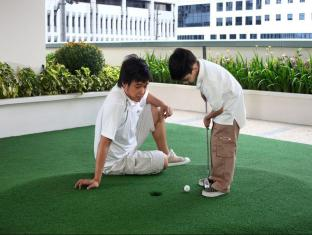 The Exchange Regency Residence Hotel Manila - Mini Golf