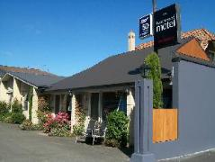 Tourist Court Cottages Motel | New Zealand Budget Hotels