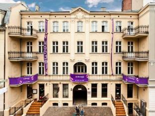 /blooms-inn-apartments/hotel/poznan-pl.html?asq=5VS4rPxIcpCoBEKGzfKvtBRhyPmehrph%2bgkt1T159fjNrXDlbKdjXCz25qsfVmYT