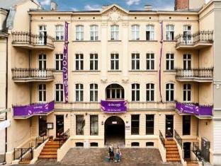 /blooms-boutique-hostel/hotel/poznan-pl.html?asq=5VS4rPxIcpCoBEKGzfKvtBRhyPmehrph%2bgkt1T159fjNrXDlbKdjXCz25qsfVmYT