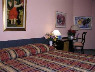Capitole Hotel Geneva - Guest Room