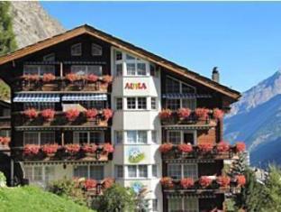 /apartments-aura/hotel/zermatt-ch.html?asq=vrkGgIUsL%2bbahMd1T3QaFc8vtOD6pz9C2Mlrix6aGww%3d