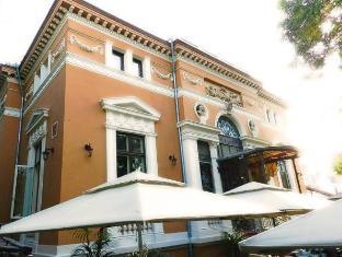 /residence-villa-barrio/hotel/bucharest-ro.html?asq=jGXBHFvRg5Z51Emf%2fbXG4w%3d%3d