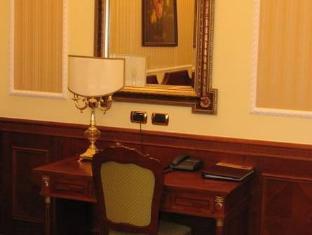 /parus-hotel/hotel/khabarovsk-ru.html?asq=jGXBHFvRg5Z51Emf%2fbXG4w%3d%3d