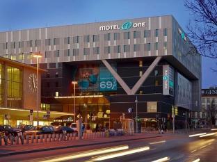 /hu-hu/motel-one-wien-westbahnhof/hotel/vienna-at.html?asq=m%2fbyhfkMbKpCH%2fFCE136qdm1q16ZeQ%2fkuBoHKcjea5pliuCUD2ngddbz6tt1P05j