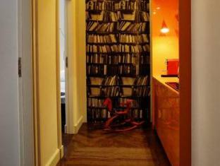 /between-us-bed-and-breakfast/hotel/warsaw-pl.html?asq=jGXBHFvRg5Z51Emf%2fbXG4w%3d%3d
