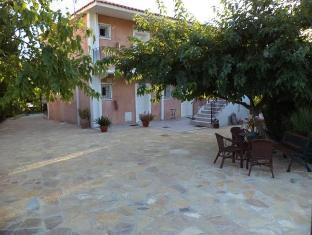 /emilia-apartments/hotel/kefalonia-gr.html?asq=jGXBHFvRg5Z51Emf%2fbXG4w%3d%3d