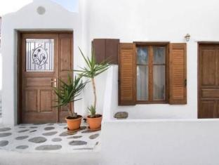 /madres-studios-apartments/hotel/mykonos-gr.html?asq=jGXBHFvRg5Z51Emf%2fbXG4w%3d%3d