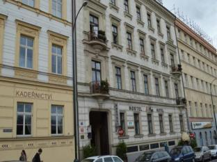 /hi-in/a-plus-hotel-and-hostel/hotel/prague-cz.html?asq=jGXBHFvRg5Z51Emf%2fbXG4w%3d%3d