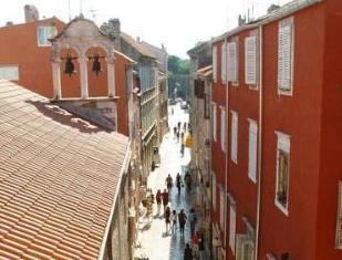 /es-es/old-town-paradise-apartments-rooms/hotel/zadar-hr.html?asq=vrkGgIUsL%2bbahMd1T3QaFc8vtOD6pz9C2Mlrix6aGww%3d