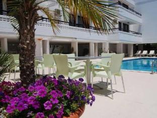 /agrino-hotel-apartments/hotel/ayia-napa-cy.html?asq=5VS4rPxIcpCoBEKGzfKvtBRhyPmehrph%2bgkt1T159fjNrXDlbKdjXCz25qsfVmYT