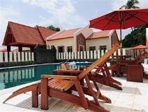 Lucky Dragon Hotel: swimming pool