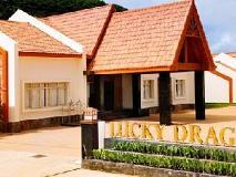 Lucky Dragon Hotel: exterior